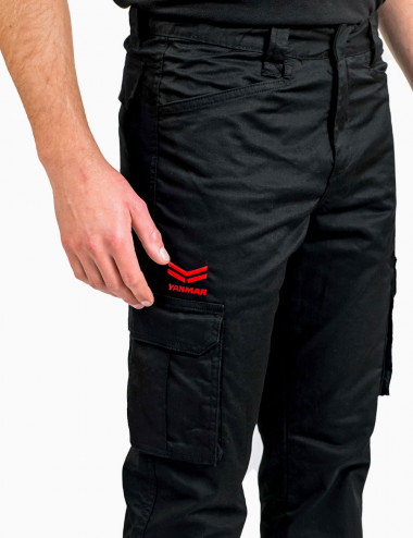 Pantaloni multitasche...
